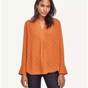 NWT Ann Taylor Dotted V Neck Long Sleeve B…